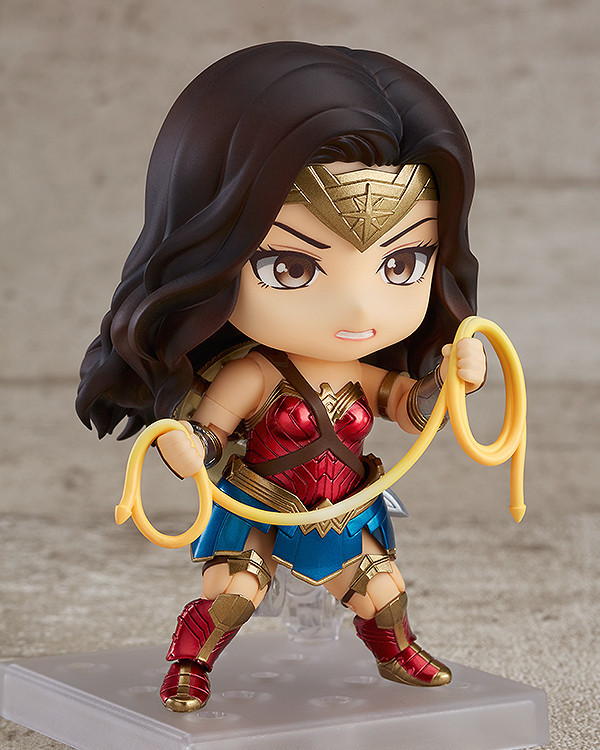 Nendoroid 818. Wonder Woman: Hero's Edition