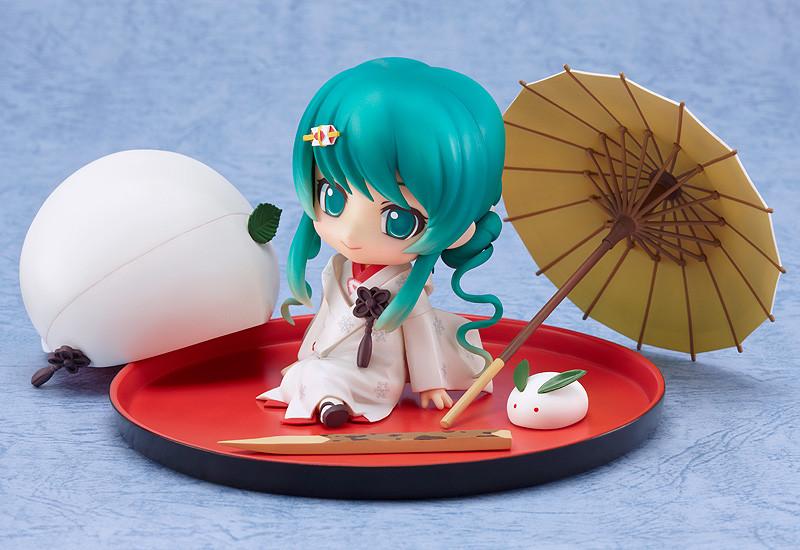 Nendoroid 303. Hatsune Miku: Strawberry White Kimono Ver.