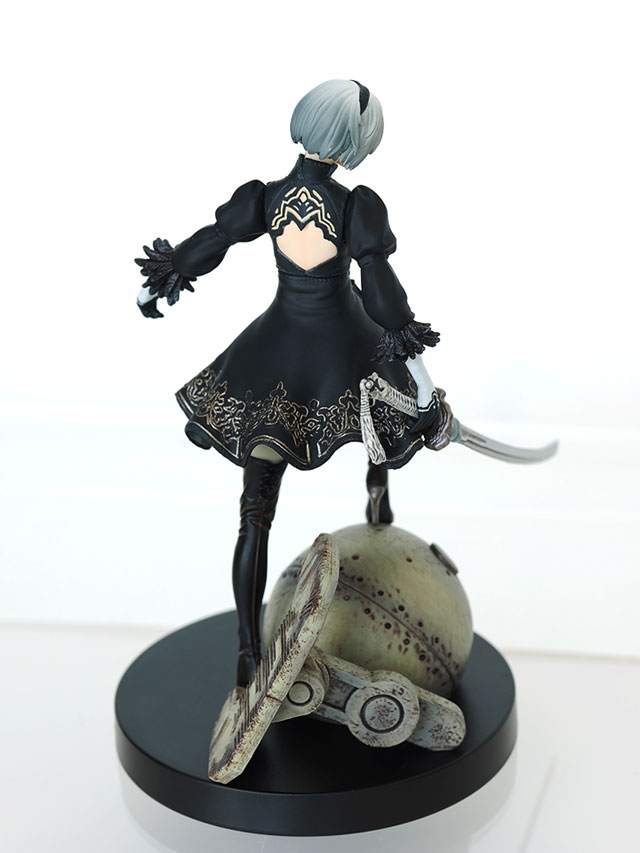 NieR: Automata - 2B Black Box Edition figure [exclusive]